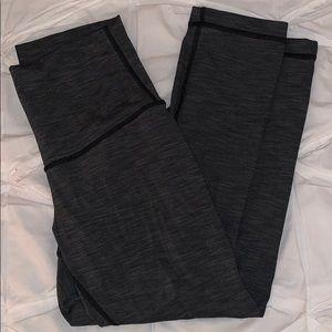 Gray/black lulu lemon cropped leggings